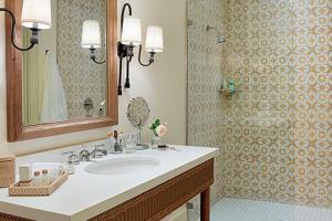 A bathroom at Indian Springs Resort & Spa