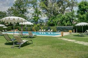 The swimming pool at or near Cà dell'Orto Rooms & Apartments