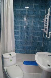 A bathroom at Tara Lodge