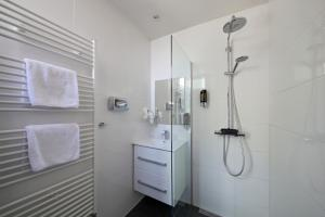 A bathroom at Hotel Sutor