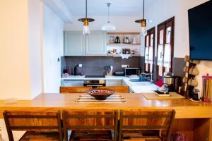 A kitchen or kitchenette at Tampakeika