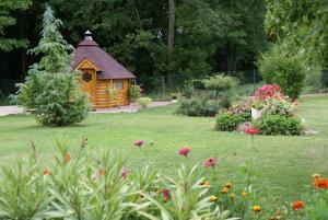 Jardin de l'établissement Chambres d'Hôtes Domaine d'Augy