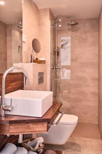 A bathroom at Mikasa Ibiza Boutique Hotel ADULTS ONLY
