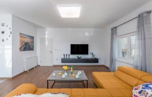 A seating area at Apartments Vita