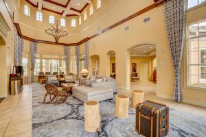 De lobby of receptie bij WorldQuest Orlando Resort