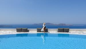 The swimming pool at or close to Xenones Filotera