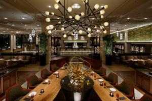 A restaurant or other place to eat at Grand Prince Hotel Shin Takanawa