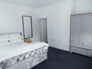 A bed or beds in a room at 239 Hessle road
