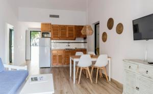 Cucina o angolo cottura di Apartamentos Las Brisas I & II