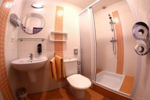 A bathroom at Penzion Expo