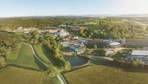 Blick auf Hotel Kowald Loipersdorf aus der Vogelperspektive
