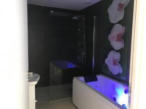 Salle de bains dans l'établissement gite à la montagne