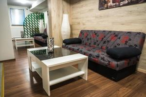 A seating area at Schwanen Resort