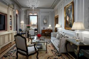 A seating area at Hotel Danieli, a Luxury Collection Hotel, Venice