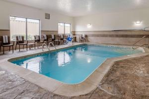 The swimming pool at or near Comfort Suites Speedway - Kansas City