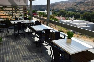 A restaurant or other place to eat at Rastoni Apartments