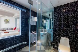 A bathroom at Swandor Cam Ranh Resort-Ultra All Inclusive
