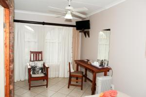 A seating area at Elna's Accommodation