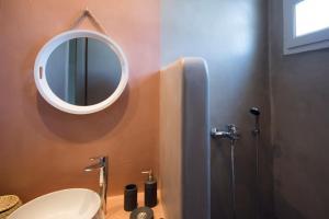 A bathroom at Laggatha Resort