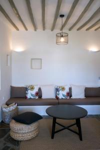 A seating area at Laggatha Resort