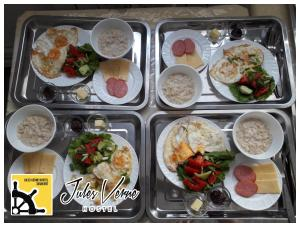 Lunch and/or dinner options for guests at Jules Verne Hostel