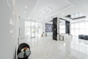 The lobby or reception area at Mirage Medspa Hotel