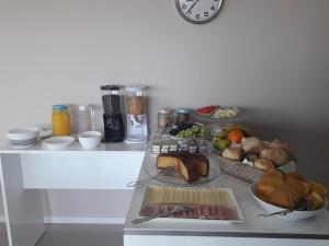 Breakfast options available to guests at CMB Guesthouse