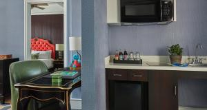 A kitchen or kitchenette at Graduate Providence