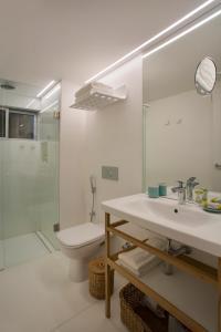 A bathroom at Hotel Arpoador