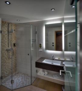 Ein Badezimmer in der Unterkunft ARTHOTEL Kiebitzberg