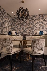 A seating area at Dalmeny Park House Hotel