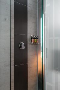 A bathroom at Epic Boutique Hotel