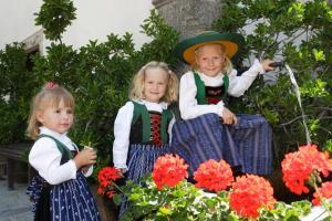 Keluarga yang menginap di Gästehaus Riml