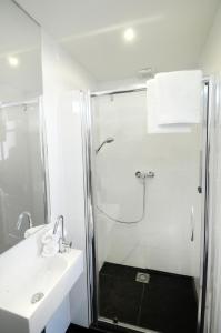 A bathroom at De Barones Van Leyden