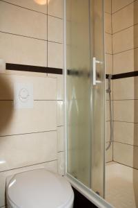 A bathroom at Apartments Tabain