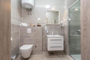 A bathroom at Villa Lux