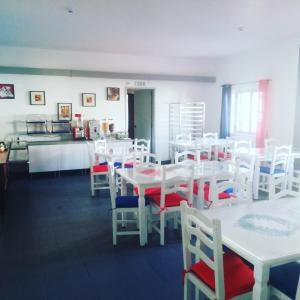 A restaurant or other place to eat at Hotel Eira Da Pedra