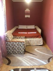 Кровать или кровати в номере Rooms with Fortetsya View