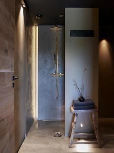 A bathroom at Storfjord Hotel