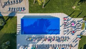 A view of the pool at Villas Arausana & Antonina or nearby
