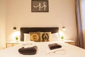 A bed or beds in a room at Wow Hostel Barcelona