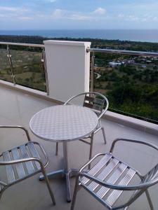 A balcony or terrace at Residences Sommet Port Salut