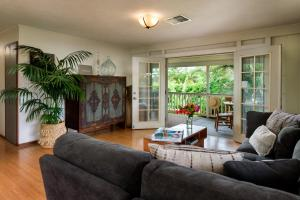 A seating area at Paia Inn