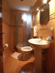 A bathroom at The Franeta Apartments Lux