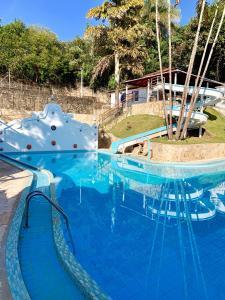 A piscina localizada em Hotel Ponta do Morro ou nos arredores