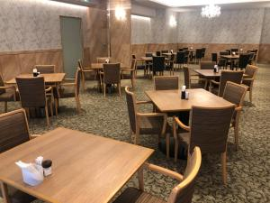 A restaurant or other place to eat at Kobe Luminous Hotel Sannomiya