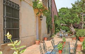 A porch or other outdoor area at Thirteen-Bedroom Holiday Home in Vilanova del Valles
