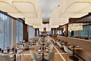 A restaurant or other place to eat at Hilton Garden Inn Vilnius City Centre