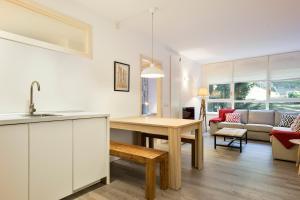 A kitchen or kitchenette at Luderna - Apartamento Mirador de Saumet