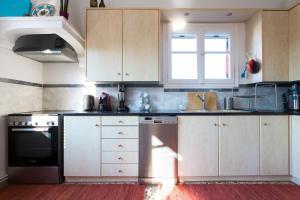 Η κουζίνα ή μικρή κουζίνα στο Art Island House